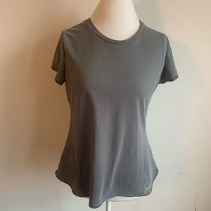 5/$15!! Avia large shirt in black and white